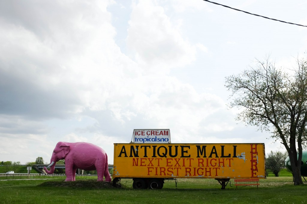 Springfield to St Louis Route 66 Pink Elephant Antiques