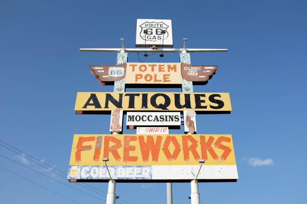 St Louis Lebanon Route 66 Totem Pole Trading Post - Legal Miss Sunshine