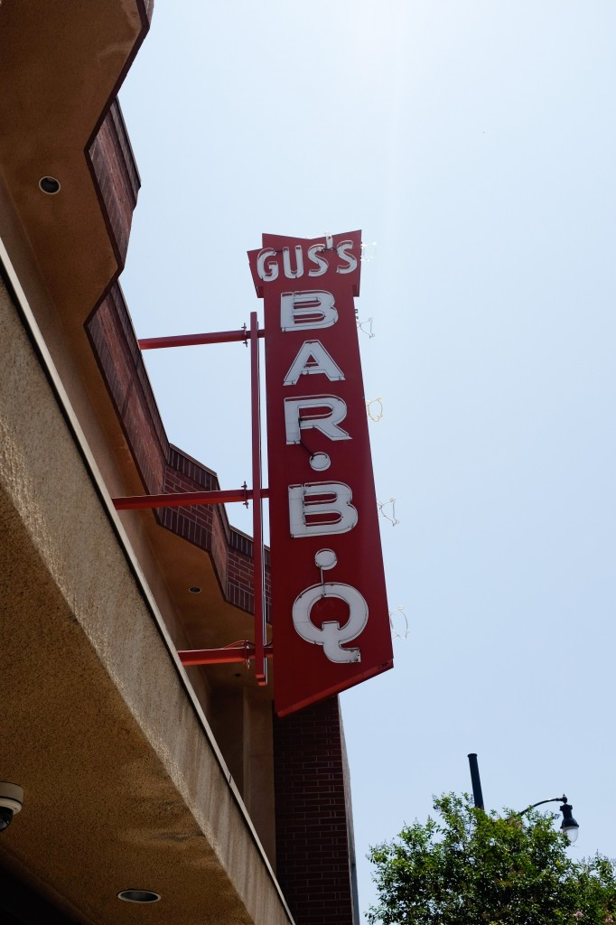 Pasadena Gus's BBQ Route 66