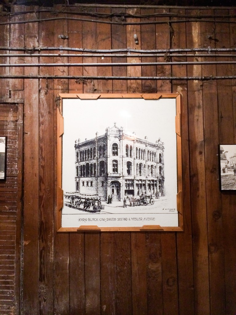 Seattle Underground Tour - Legal Miss Sunshine