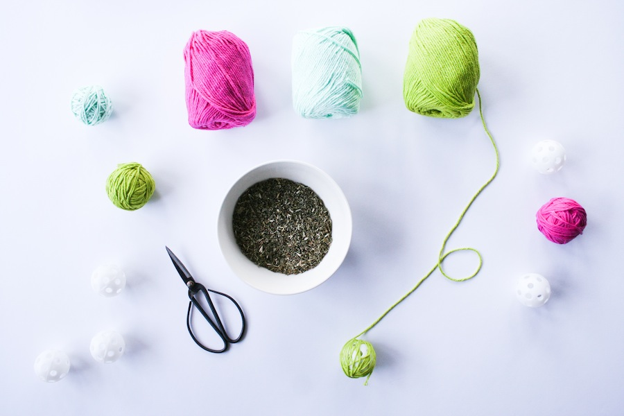 DIY Craft Catnip Cat Yarn Ball // Legal Miss Sunshine
