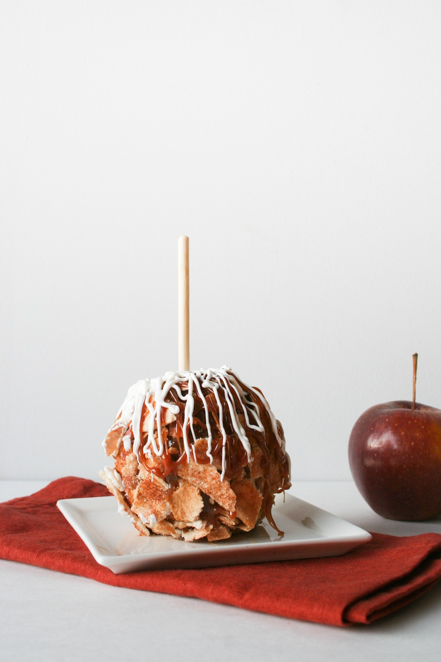 Apple Pie Caramel Apple Recipe // Legal Miss Sunshine