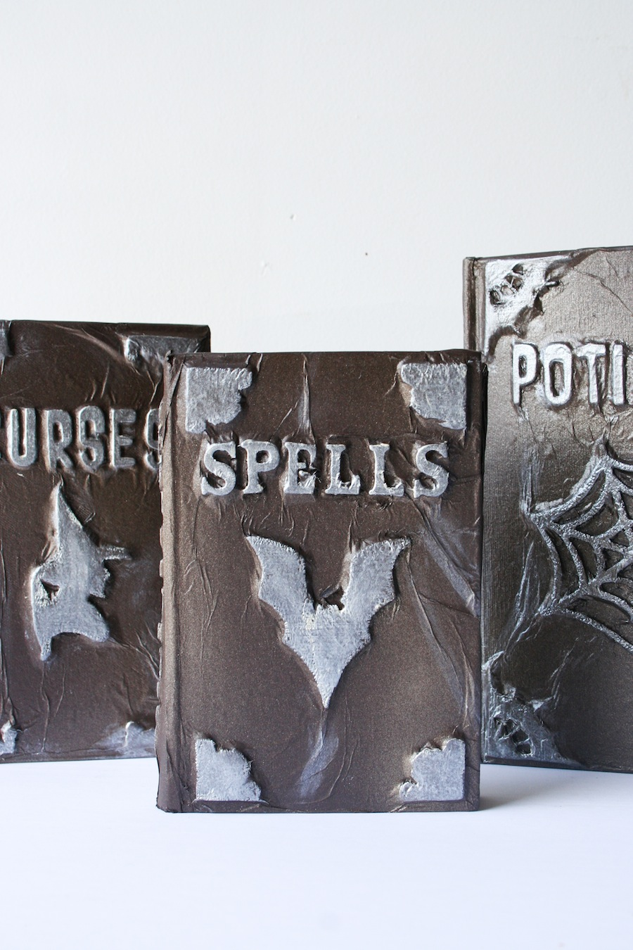 how to make a witches spell book