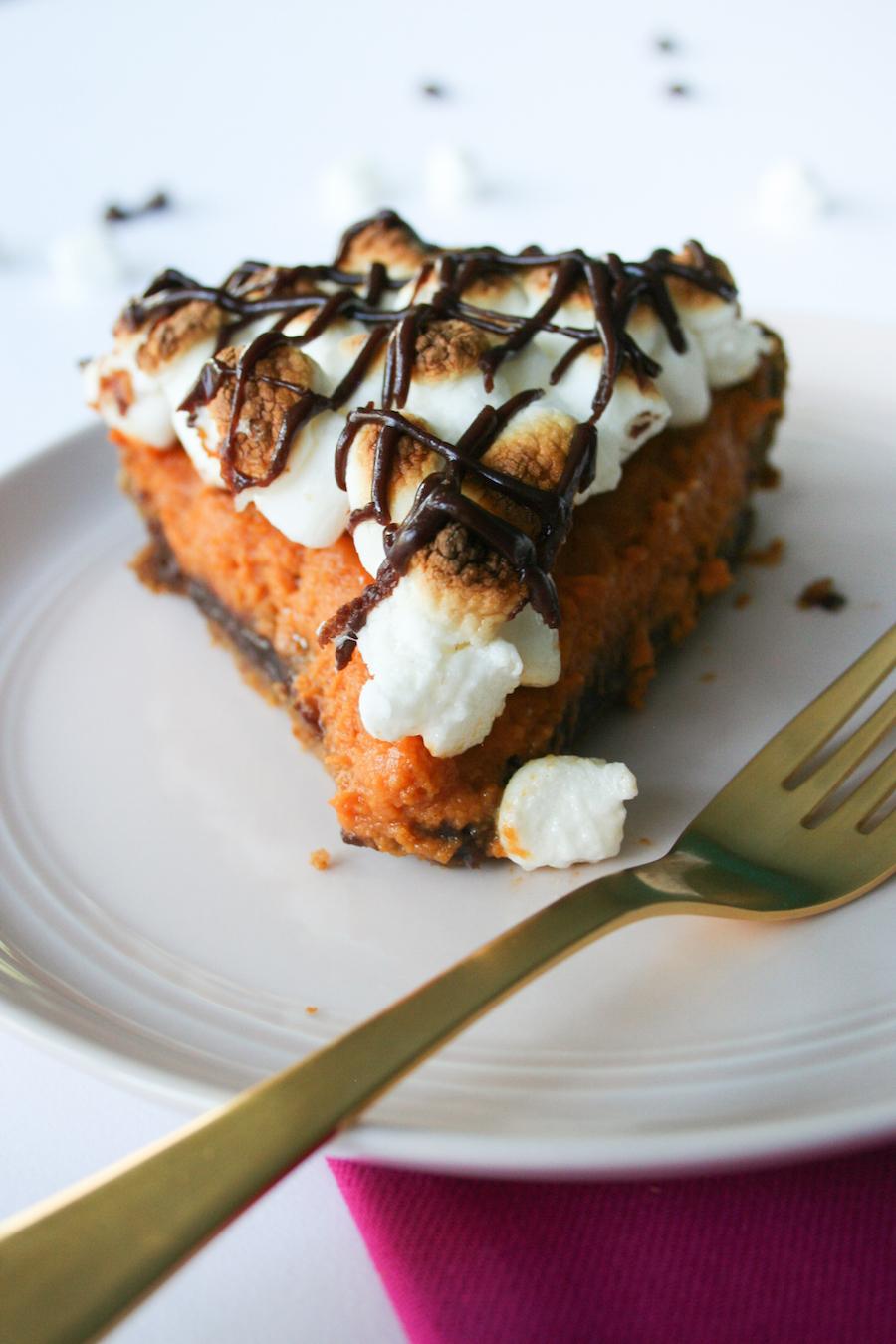 S'mores Pumpkin Pie Recipe // Legal Miss Sunshine