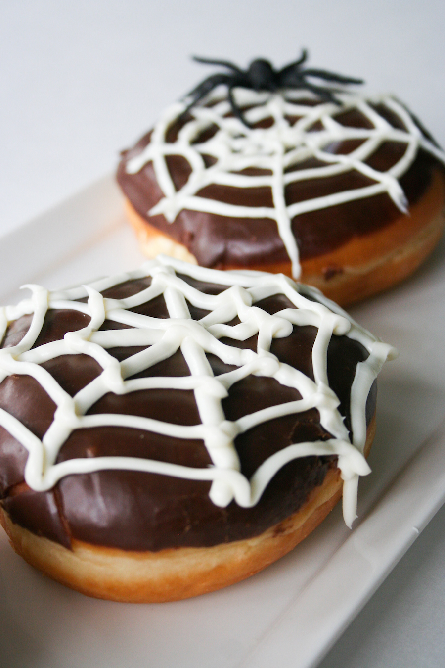 Spiderweb Donuts // 13 Nights of Donuts // Legal Miss Sunshine