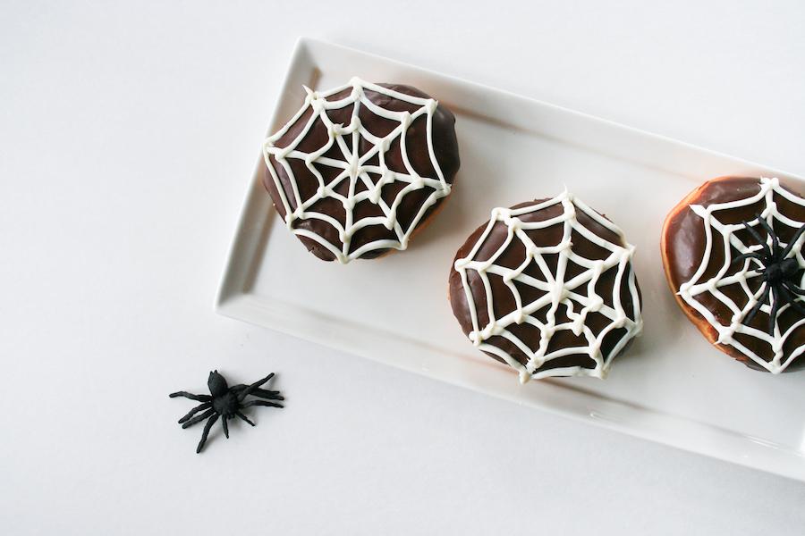 Spiderweb Donuts // 13 Nights of Donuts // Legal Miss Sunshine