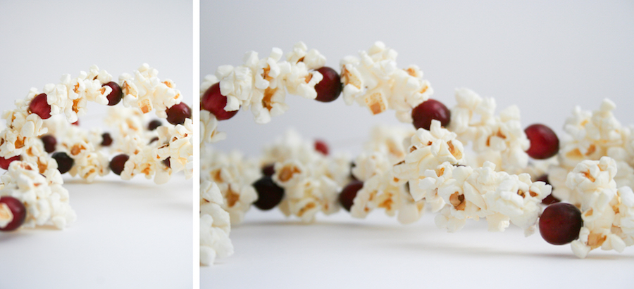 Cranberry and Popcorn Christmas Tree Garland, DIY Old-Fashioned Cranberry Popcorn Garland, How to Make a Cranberry and Popcorn Christmas Tree Garland, Salty Canary