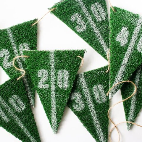 DIY Football Yard Line Party Garland