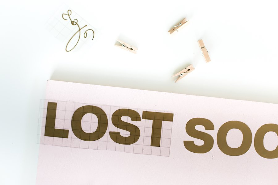 DIY Lost Socks Sign Tutorial // Salty Canary