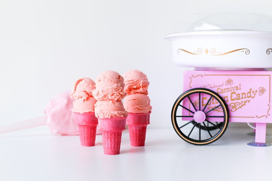 Ready to try THE ice cream flavor of summer: Cotton Candy Ice Cream! It reminds me of the state fair and theme parks! // saltycanary.com