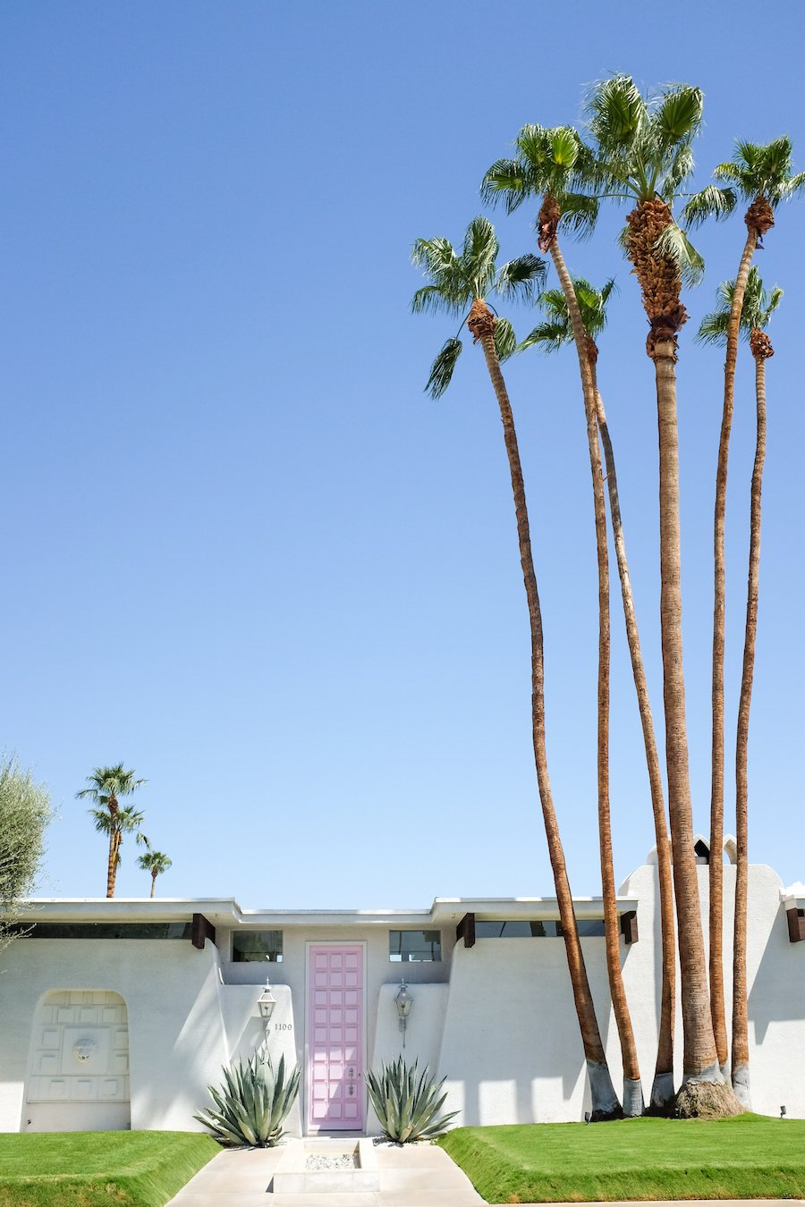 Take a Palm Springs Door Tour to see all the bright & colorful midcentury modern front doors, Instagram Photos, Insta-worthy, Driving Tour, Architecture Tour, Weekend Trip, Palm Springs Guide, Travel Guide, What to do in Palm Springs, Walking Door, Photo Tour, That Pink Door Address, Salty Canary