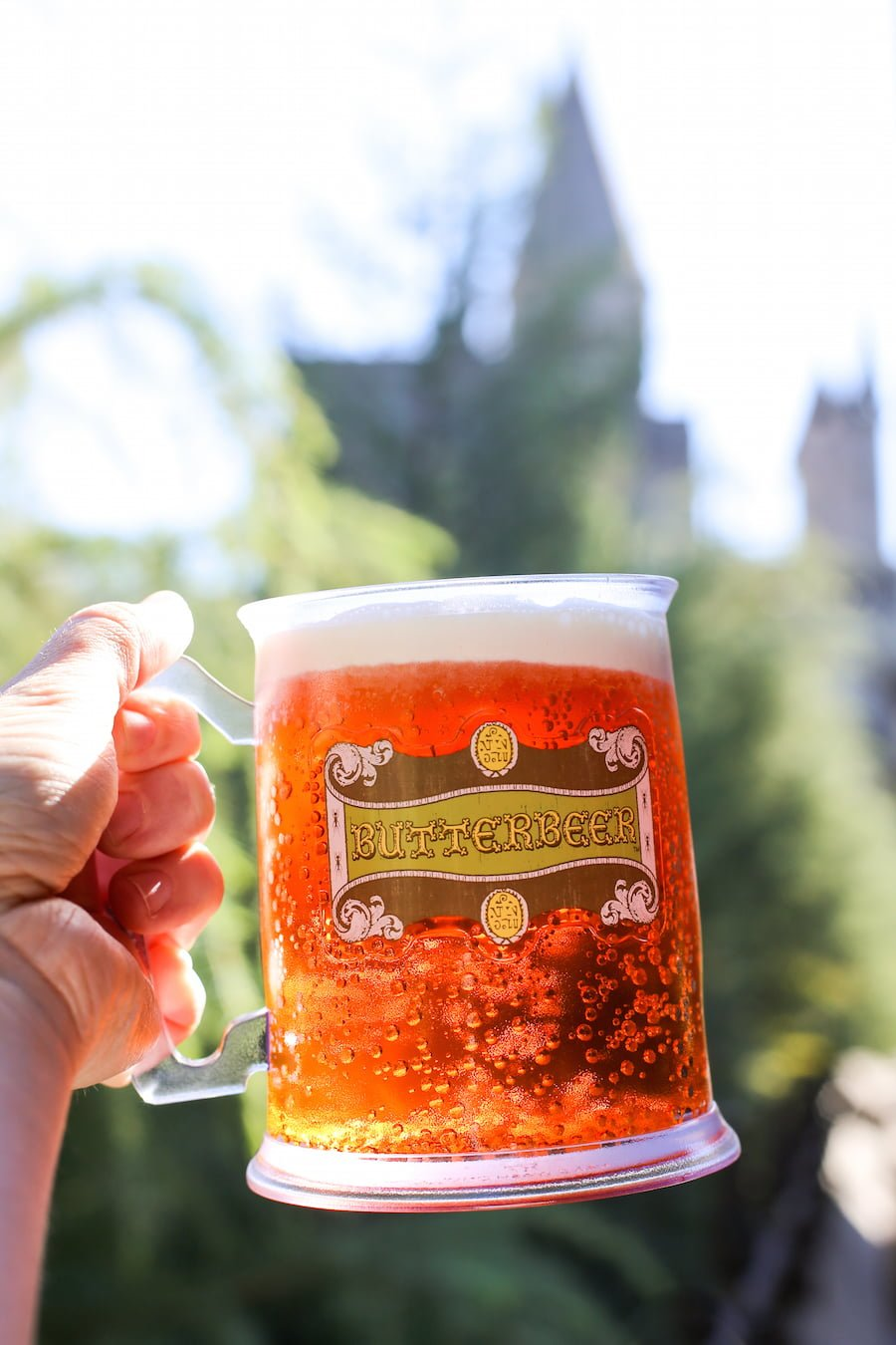 Butterbeer at the Wizarding World of Harry Potter at Universal Studios Hollywood // Salty Canary