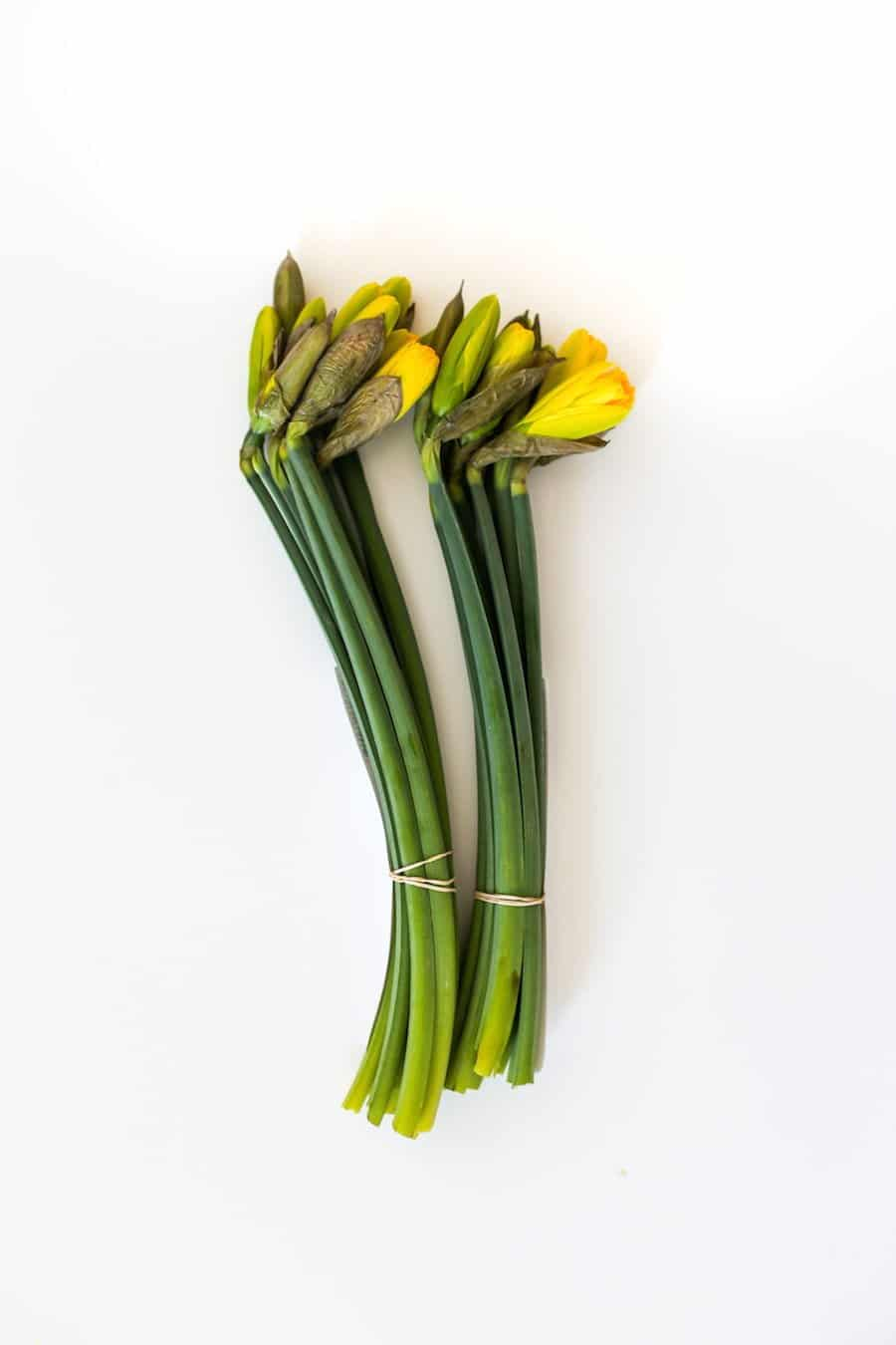 How to Make Grocery Store Flowers Look Expensive // Salty Canary