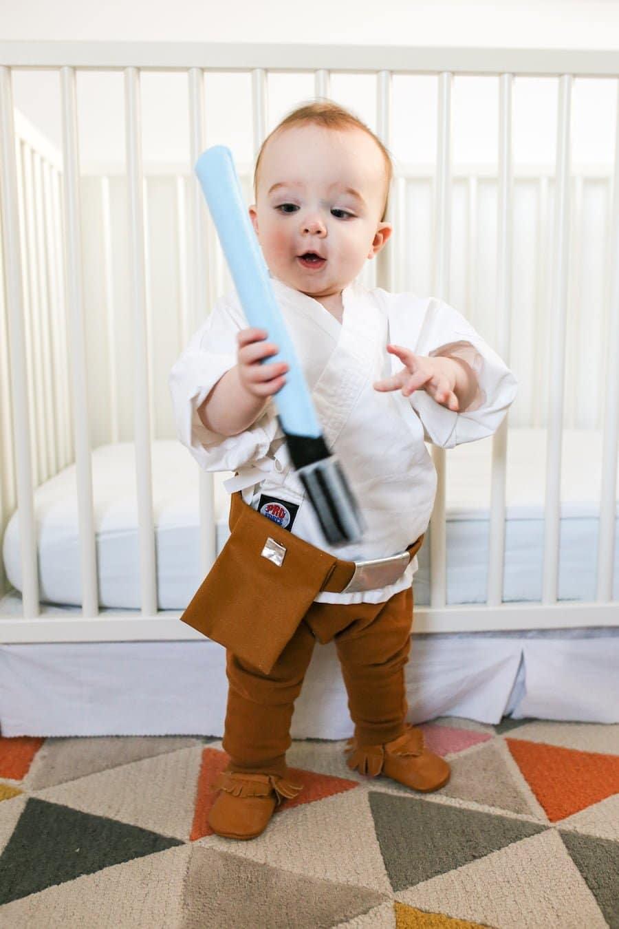Twin Baby Luke & Leia Halloween Costumes // Salty Canary