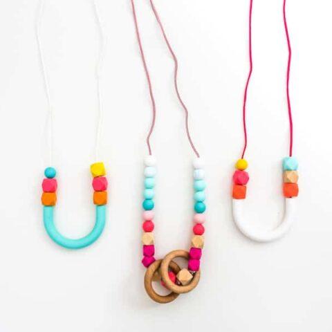 DIY Teething or Nursing Necklace Tutorial